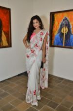 Surbhi Shukla at Bharat Tripathi_s exhibition in Mumbai on 25th Dec 2012 (67).JPG