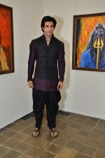 vicky batra at Bharat Tripathi_s exhibition in Mumbai on 25th Dec 2012 (50).JPG
