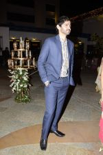 Gaurav Kapoor at Riyaz Amlani and Kiran_s wedding reception in Mumbai on 26th Dec 2012 (24).JPG