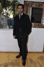 Karan Johar launches the Cover of Amish_s eagerly anticipated 3rd book in the Shiva Trilogy, The Oath of the Vayuputras in Mumbai on 27th Dec 2012 (3).JPG