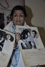 Lata Mangeshkar calendar launch in Peddar Road, Mumbai on 27th Dec 2012 (16).JPG
