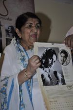 Lata Mangeshkar calendar launch in Peddar Road, Mumbai on 27th Dec 2012 (17).JPG
