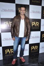 Vivek Oberoi at The Impossible film press meet in PVR, Mumbai on 27th Dec 2012 (41).JPG