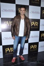 Vivek Oberoi at The Impossible film press meet in PVR, Mumbai on 27th Dec 2012 (43).JPG