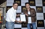 Vivek Oberoi at The Impossible film press meet in PVR, Mumbai on 27th Dec 2012 (46).JPG