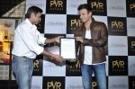 Vivek Oberoi at The Impossible film press meet in PVR, Mumbai on 27th Dec 2012 (48).JPG