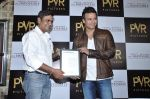 Vivek Oberoi at The Impossible film press meet in PVR, Mumbai on 27th Dec 2012 (53).JPG