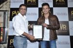 Vivek Oberoi at The Impossible film press meet in PVR, Mumbai on 27th Dec 2012 (55).JPG