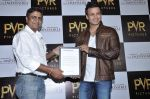 Vivek Oberoi at The Impossible film press meet in PVR, Mumbai on 27th Dec 2012 (56).JPG