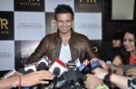 Vivek Oberoi at The Impossible film press meet in PVR, Mumbai on 27th Dec 2012 (59).JPG