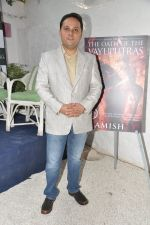 at Karan Johar launches the Cover of Amish_s eagerly anticipated 3rd book in the Shiva Trilogy, The Oath of the Vayuputras in Mumbai on 27th Dec 2012 (5).JPG