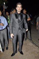 Neil Mukesh at Bunty Walia_s wedding reception bash in Olive on 28th Dec 2012 (60).JPG
