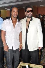 Ronaldinho unveils Balaji entertainment_s R10 movie in Pune, Mumbai on 28th Dec 2012 (27).JPG