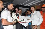 Ronaldinho unveils Balaji entertainment_s R10 movie in Pune, Mumbai on 28th Dec 2012 (32).JPG