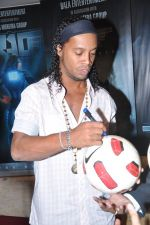 Ronaldinho unveils Balaji entertainment_s R10 movie in Pune, Mumbai on 28th Dec 2012 (34).JPG