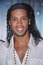 Ronaldinho unveils Balaji entertainment_s R10 movie in Pune, Mumbai on 28th Dec 2012 (37).JPG