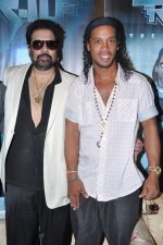 Ronaldinho unveils Balaji entertainment_s R10 movie in Pune, Mumbai on 28th Dec 2012 (38).JPG