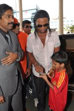 Ronaldinho unveils Balaji entertainment_s R10 movie in Pune, Mumbai on 28th Dec 2012 (5).JPG
