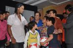 Ronaldinho unveils Balaji entertainment_s R10 movie in Pune, Mumbai on 28th Dec 2012 (20).JPG
