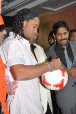Ronaldinho unveils Balaji entertainment_s R10 movie in Pune, Mumbai on 28th Dec 2012 (26).JPG