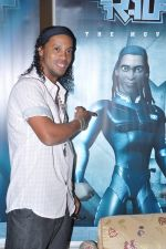 Ronaldinho unveils Balaji entertainment_s R10 movie in Pune, Mumbai on 28th Dec 2012 (40).JPG