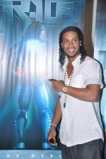 Ronaldinho unveils Balaji entertainment_s R10 movie in Pune, Mumbai on 28th Dec 2012 (41).JPG