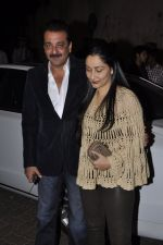 Sanjay Dutt, Manyata Dutt at Bunty Walia_s wedding reception bash in Olive on 28th Dec 2012 (47).JPG