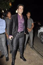 Tusshar Kapoor at Bunty Walia_s wedding reception bash in Olive on 28th Dec 2012 (19).JPG