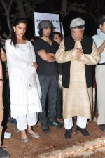 Deepika Padukone, Sonu Nigam, Javed Akhtar at the peace march for the Delhi victim in Mumbai on 29th Dec 2012 (276).JPG