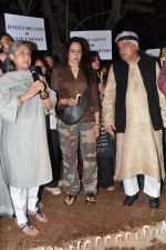 Hema Malini, Jaya Bachchan at the peace march for the Delhi victim in Mumbai on 29th Dec 2012 (249).JPG