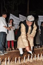 Javed Akhtar at the peace march for the Delhi victim in Mumbai on 29th Dec 2012 (207).JPG