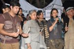 Jaya Bachchan, Shabana Azmi, Tisca Chopra, Javed Akhtar at the peace march for the Delhi victim in Mumbai on 29th Dec 2012 (248).JPG