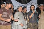 Jaya Bachchan, Shabana Azmi, Tisca Chopra, Javed Akhtar at the peace march for the Delhi victim in Mumbai on 29th Dec 2012 (250).JPG