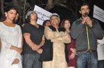 Kunal Kapoor at the peace march for the Delhi victim in Mumbai on 29th Dec 2012 (272).JPG