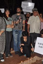 Mandira Bedi at the peace march for the Delhi victim in Mumbai on 29th Dec 2012 (222).JPG