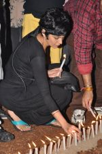 Mandira Bedi at the peace march for the Delhi victim in Mumbai on 29th Dec 2012 (224).JPG