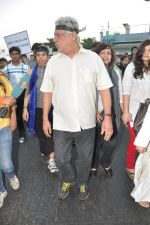 Om Puri at the peace march for the Delhi victim in Mumbai on 29th Dec 2012 (190).JPG