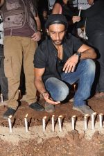 Ranveer Singh at the peace march for the Delhi victim in Mumbai on 29th Dec 2012 (215).JPG