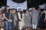 Shabana Azmi, Javed AKhtar at the peace march for the Delhi victim in Mumbai on 29th Dec 2012 (179).JPG