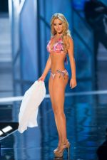 at Miss Universe swim wear round on 19th Dec 2012 (182).jpg