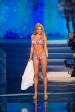 at Miss Universe swim wear round on 19th Dec 2012 (184).jpg