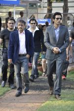 Arjun Rampal at Mid-day race in RWITC, Mumbai on 6th Jan 2013 (15).JPG