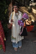 Shabana Azmi at Shaad Ali_s Wedding in Bandra, Mumbai on 6th Jan 2013 (68).JPG