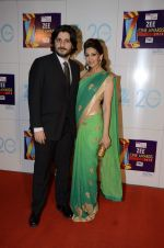 Sonali Bendre, Goldie Behl at Zee Awards red carpet in Mumbai on 6th Jan 2013,1 (67).JPG