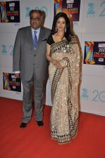 Sridevi, Boney Kapoor at Zee Awards red carpet in Mumbai on 6th Jan 2013 (142).JPG