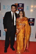 Vidya Balan, Kunal Roy Kapur at Zee Awards red carpet in Mumbai on 6th Jan 2013 (159).JPG