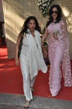 Zoya Akhtar at Shaad Ali_s Wedding in Bandra, Mumbai on 6th Jan 2013 (47).JPG