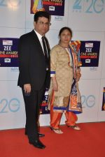 at Zee Awards red carpet in Mumbai on 6th Jan 2013 (113).JPG