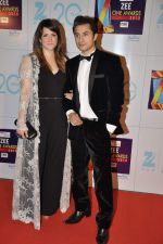 at Zee Awards red carpet in Mumbai on 6th Jan 2013 (114).JPG