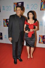at Zee Awards red carpet in Mumbai on 6th Jan 2013 (144).JPG